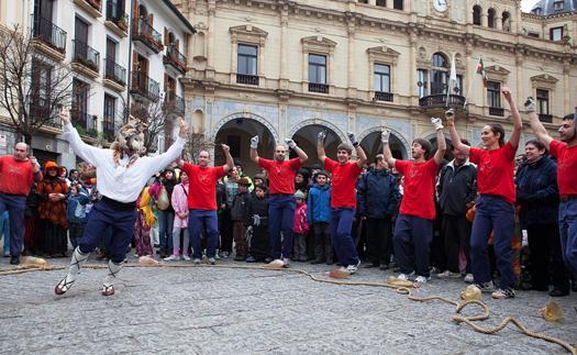 Noticia Azeri-Dantza, Hernani baila por San Juan